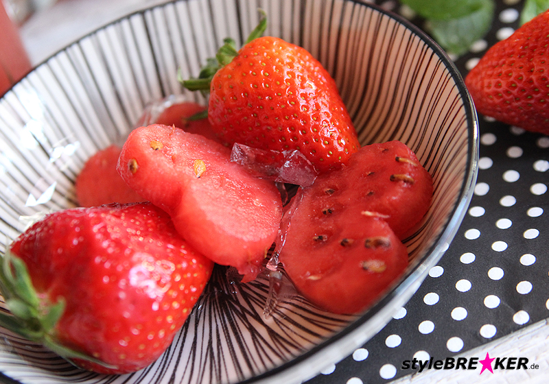 Eistee Wassermelone Minze Erdbeer b